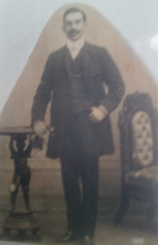 Juan Jose Flores, autor de Huambar poetastro acacau tinaja