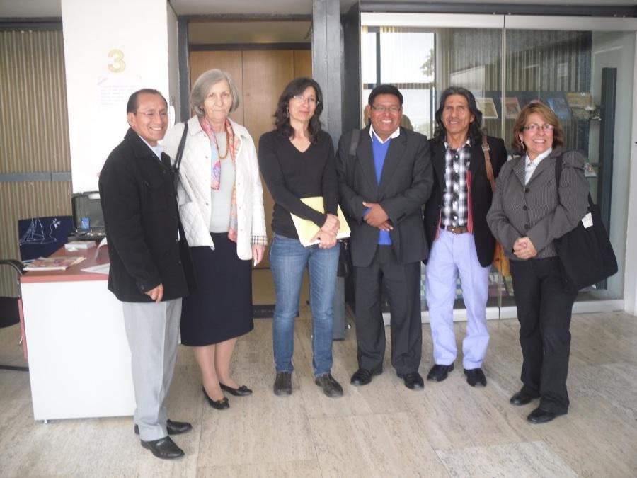 Los autores con Carlos Huaman, Francoise Perus, Begonia Pulido, y Carmen Matos