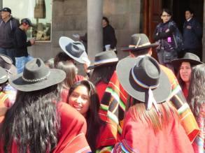 Prendas de Cabeza. Carlos Olazábal Castillo